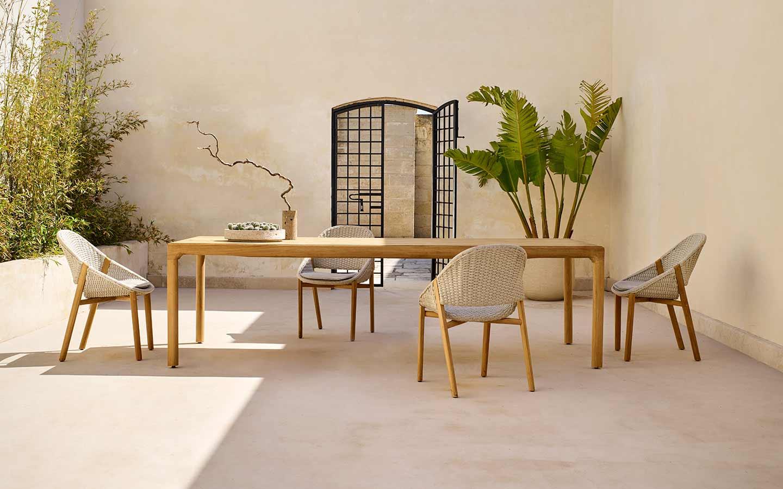 tavolo da pranzo in teak con poltroncine
