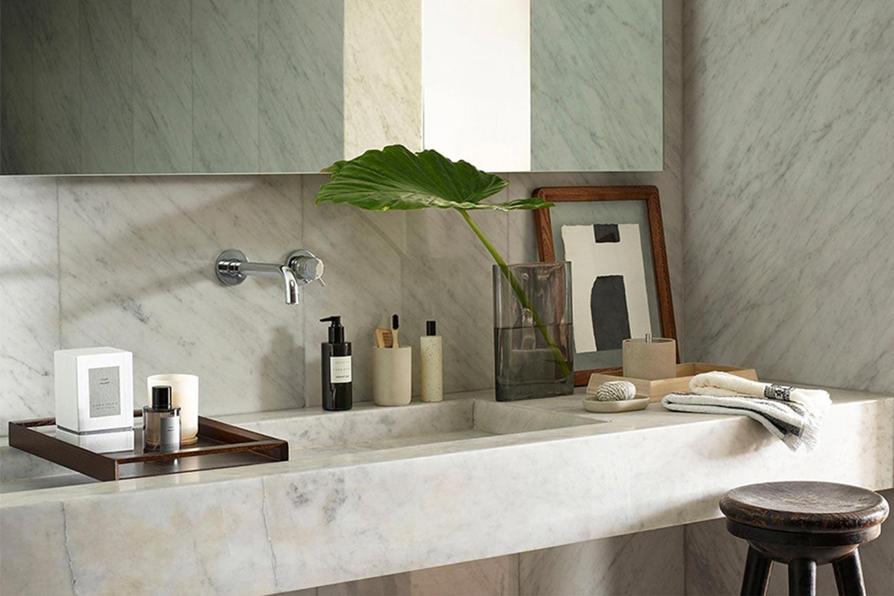 lavabo bagno e piano in marmo