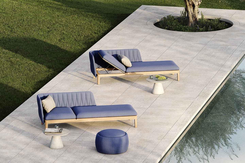 sedute lounge a bordo piscina