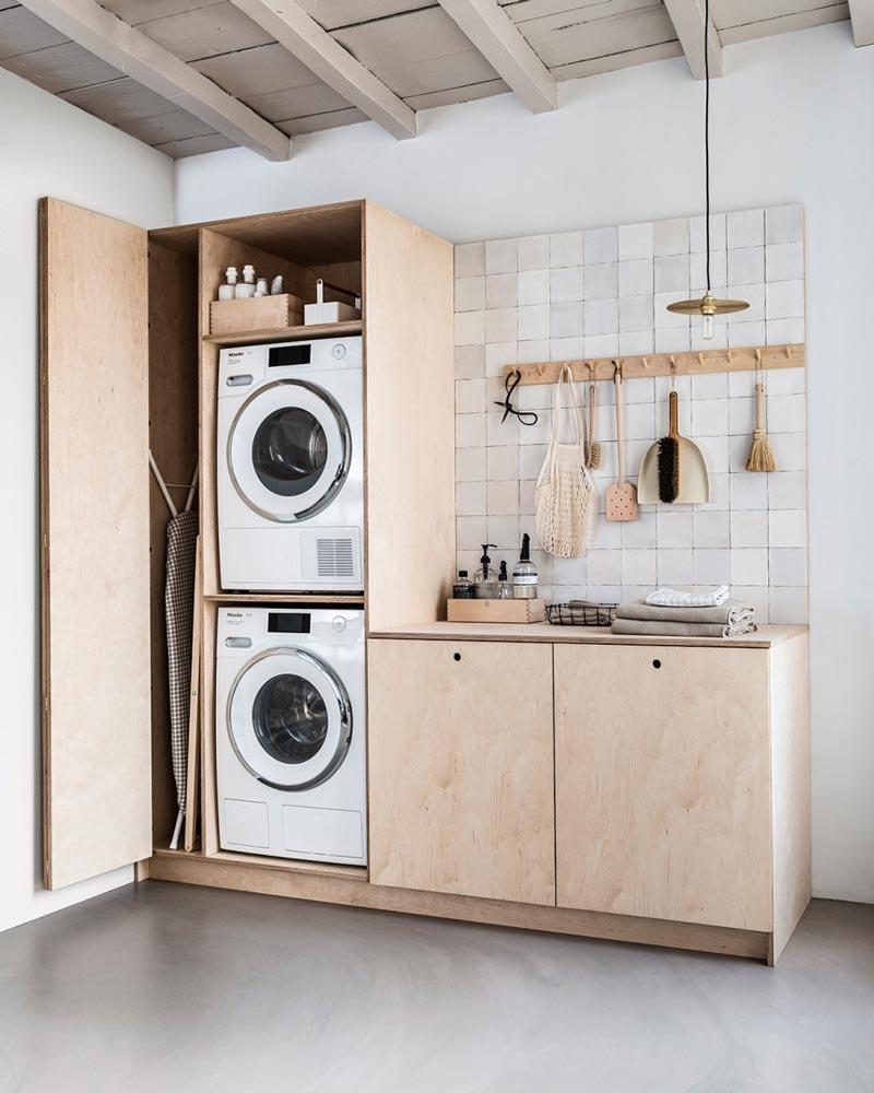 Mobile Da Esterno Per Lavatrice fai da te: un armadio su misura per la lavanderia | dettagli