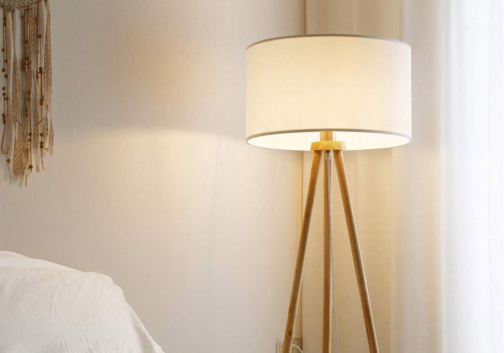 lampada da terra in stile nordico