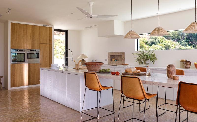 cucina open space luminosa