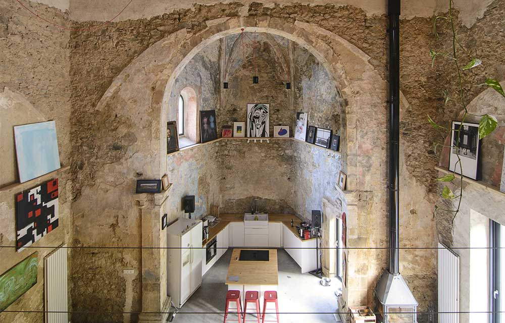 ex chiesa in Spagna trasformata in una casa