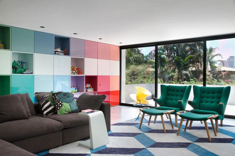 soggiorno moderno dai colori vivaci