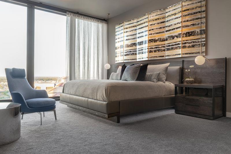 camera da letto principale attico a Sacramento