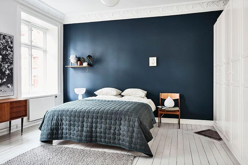 bedroom blue walls