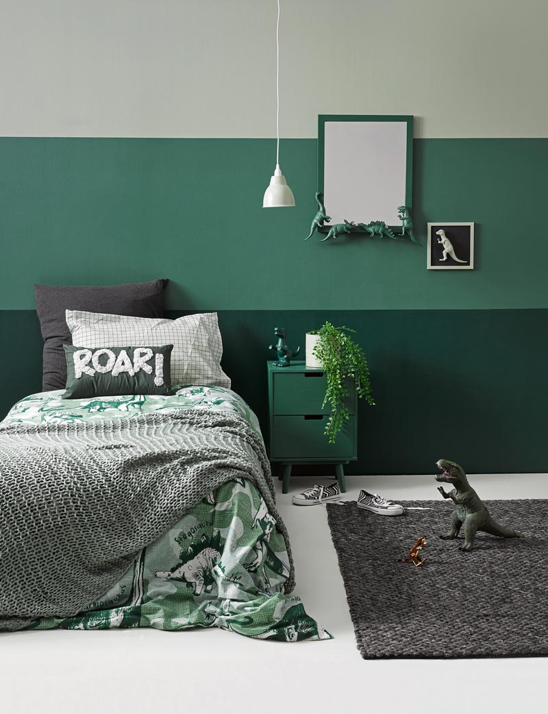 bedroom green walls