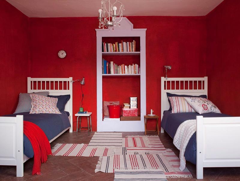 bedroom red walls