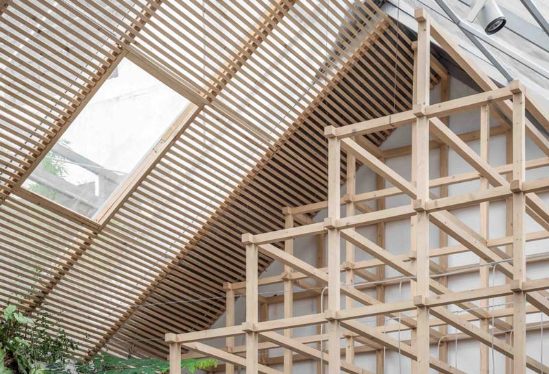tetto spiovente in vetro e legno