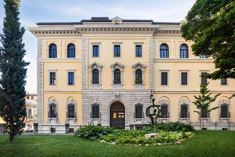 esterno Palazzo Poste a Verona