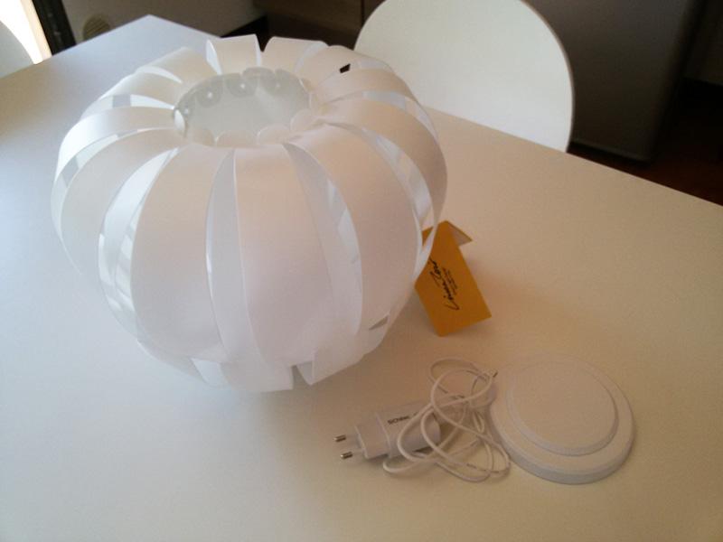 lampada Queen a batteria ricaricabile