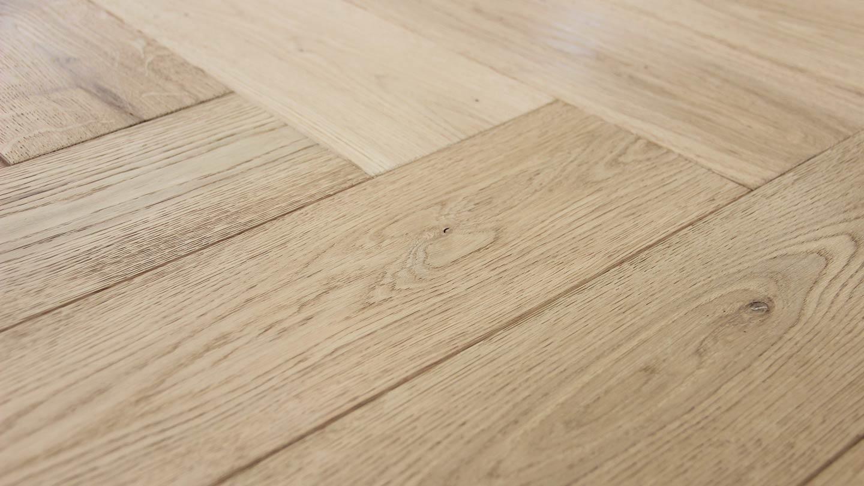 pavimento in gres effetto legno naturale