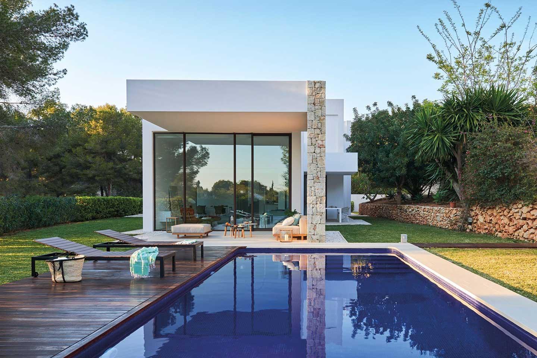 piscina in villa moderna