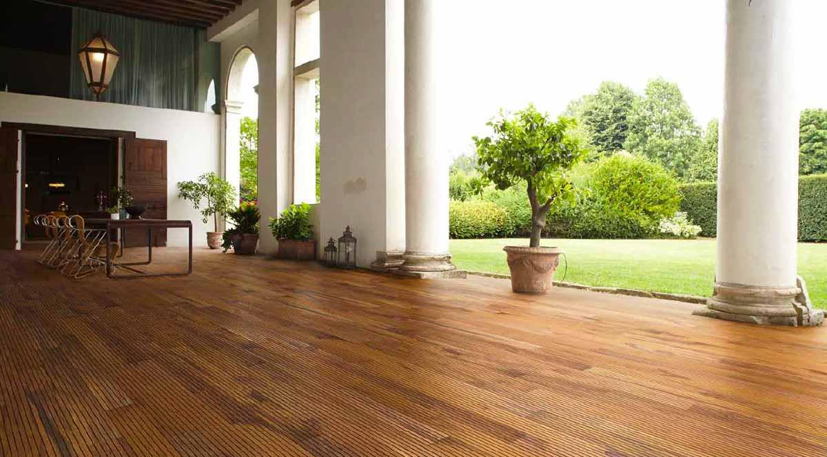 pavimento in legno di tek