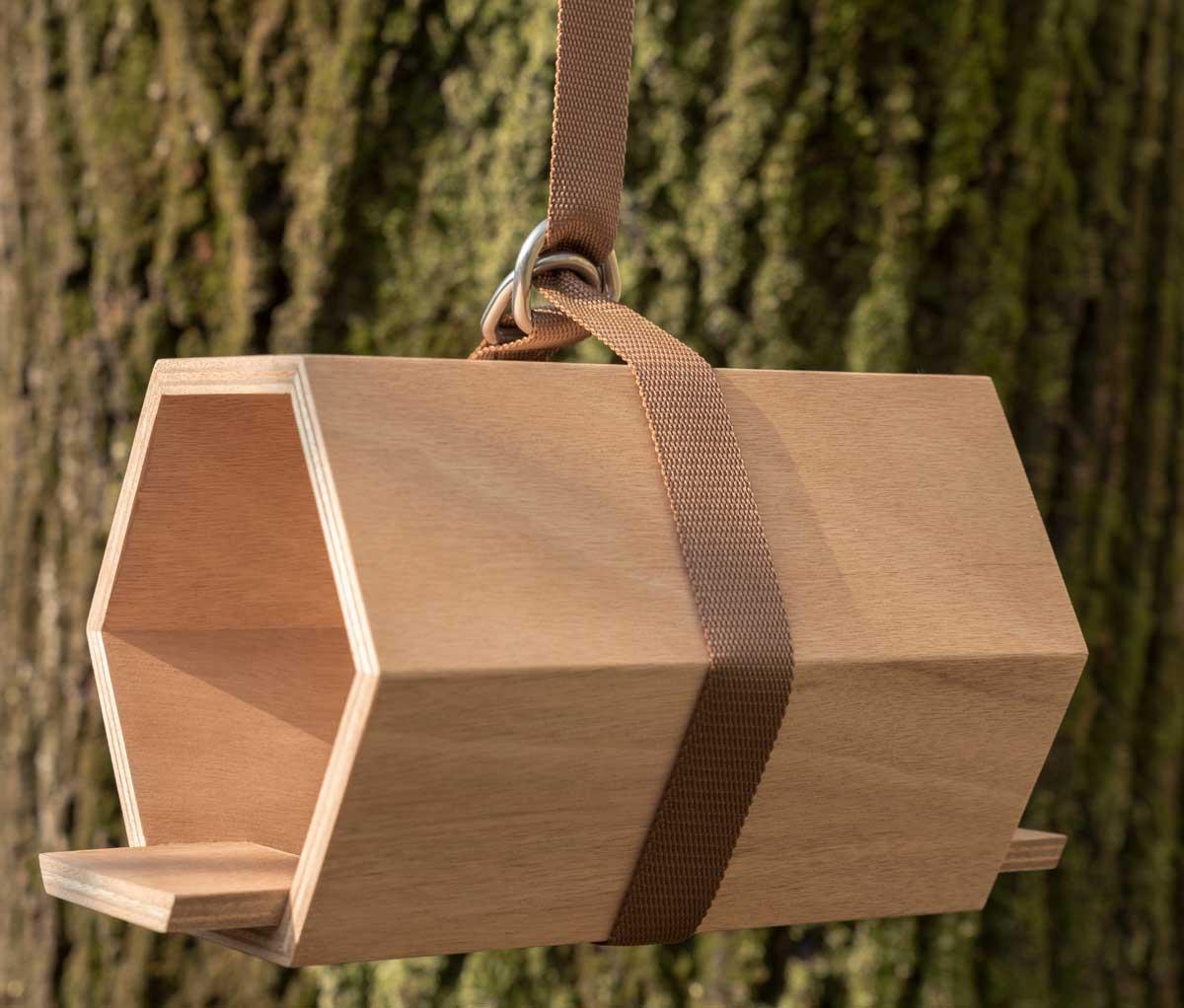 casetta per gli uccellini in legno