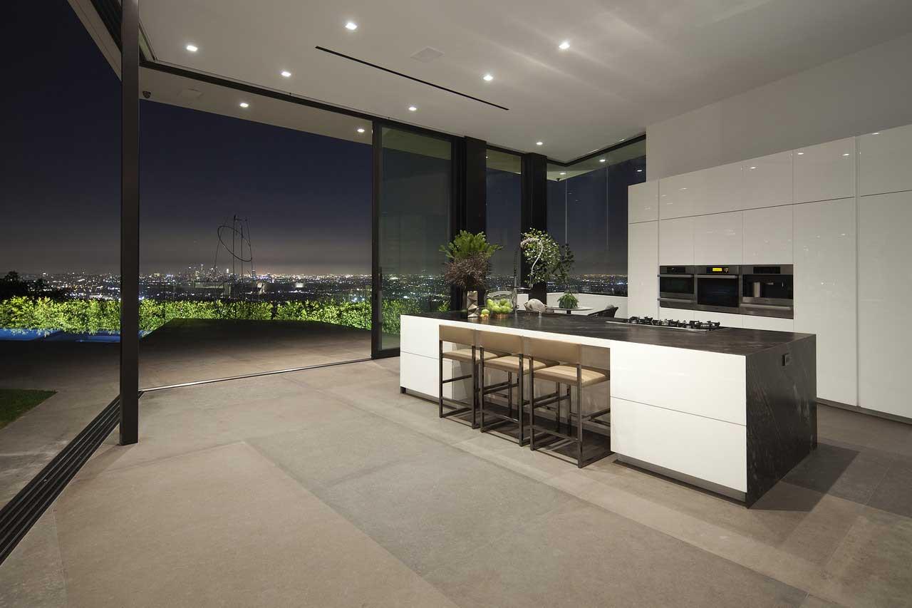 cucina Ernesto Meda villa lussuosa a Los Angeles