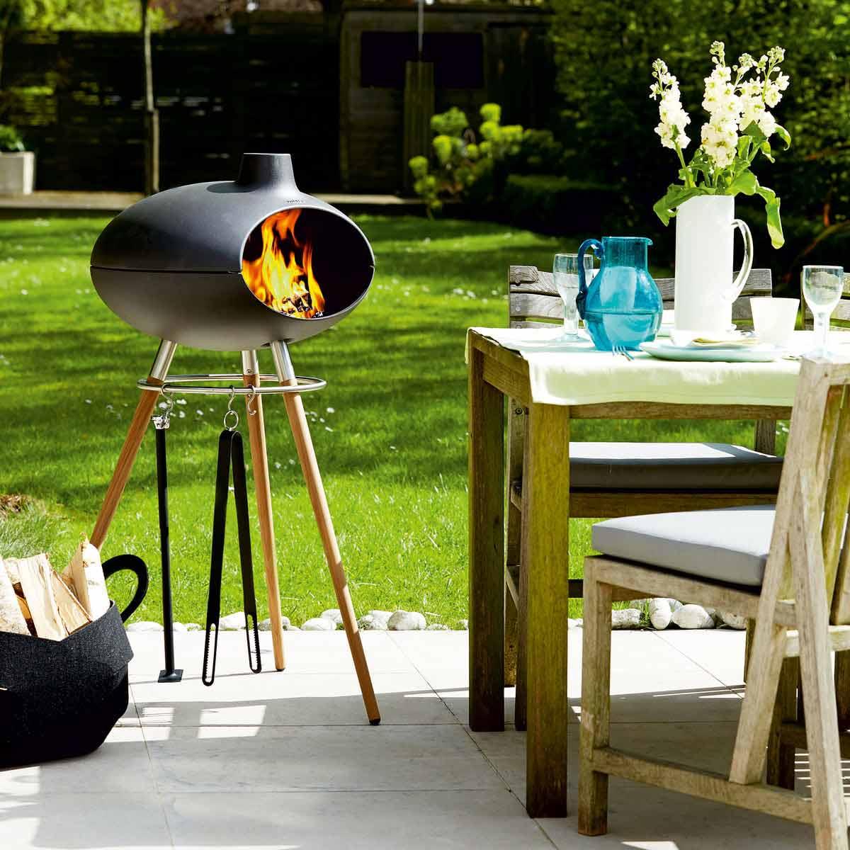 barbecue in ghisa con supporto