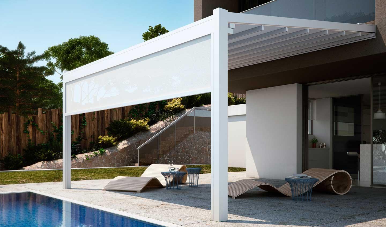 pergola in alluminio con tenda addossata alla parete