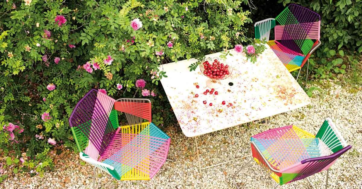 poltroncine e tavolo da giardino