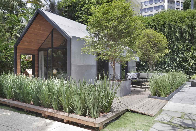 casa prefabbricata con giardino