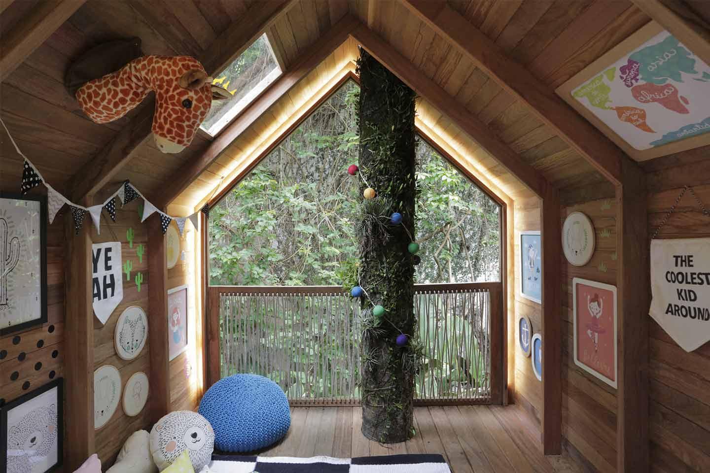 casetta sull'albero in legno