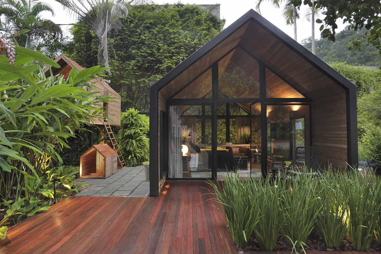 casa prefabbricata con casetta sull'albero
