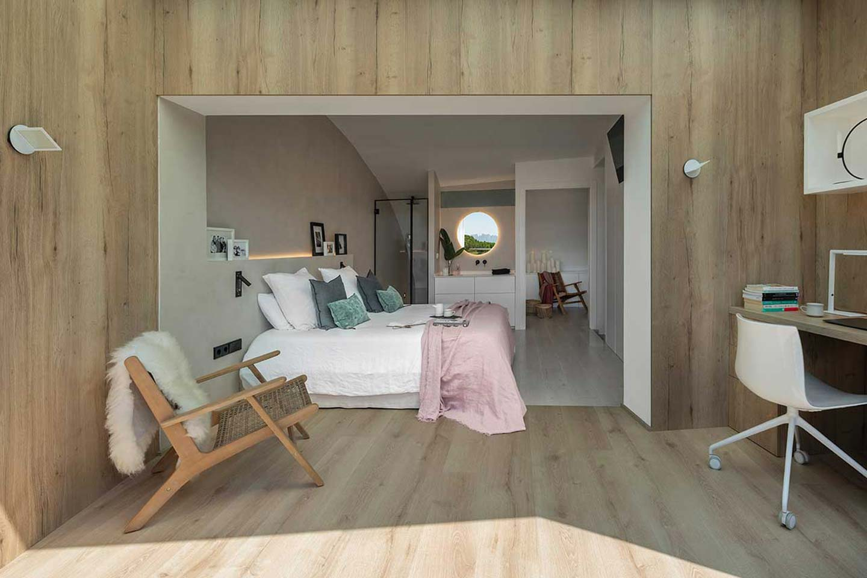 Dawn House by Susanna Cots
