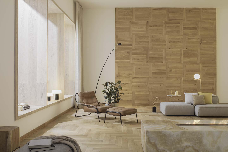 parete in legno naturale nel living
