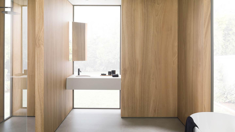 rivestimento in legno pareti bagno