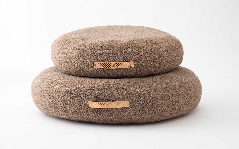 cuscini in lana rotondi per cani