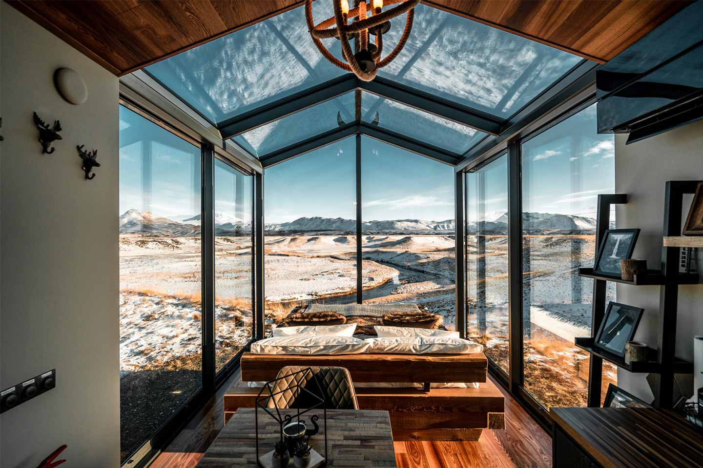 Panorama Glass Lodge in Islanda