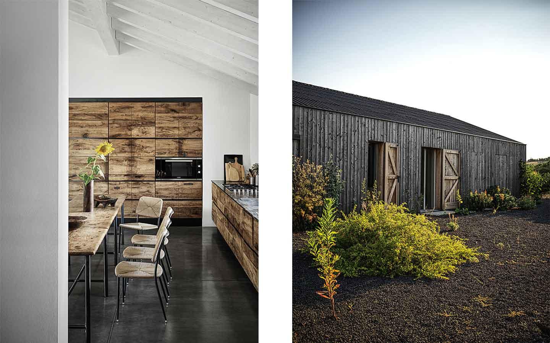 cucina moderna in legno di una casa di campagna
