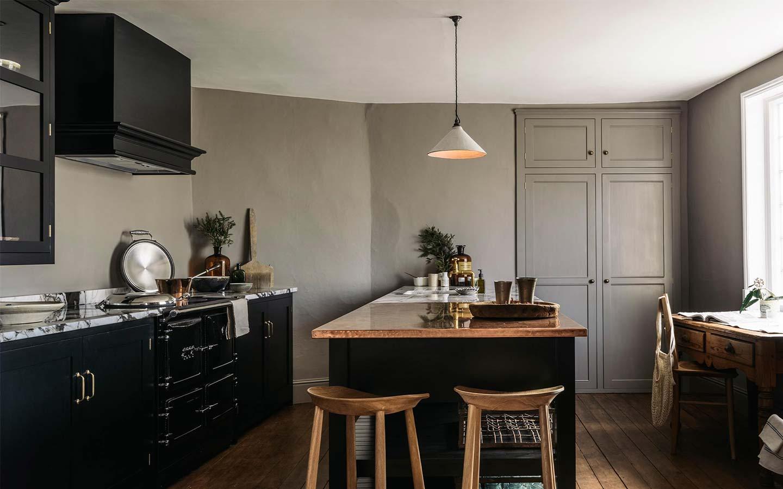 cucina vintage nera - deVOL Kitchen
