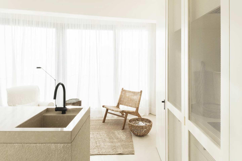mini appartamento luminoso e dai toni chiari