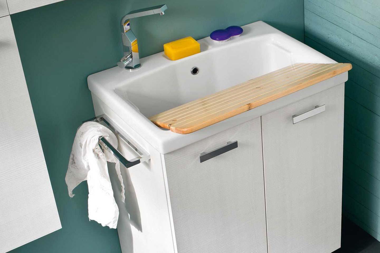 mobile lavatoio in bagno