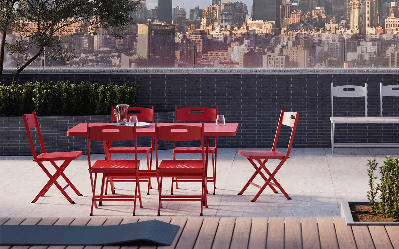 tavolo e sedie pieghevoli rosse