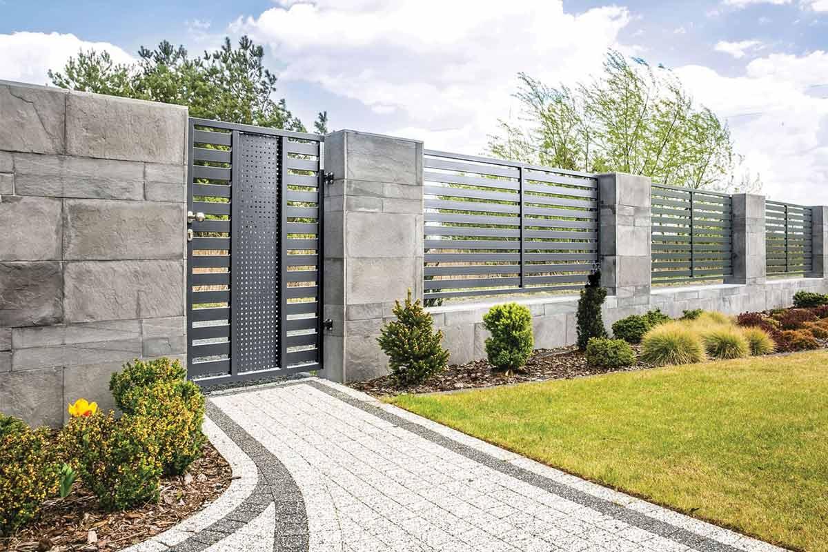recinzione e cancello pedonale coordinati