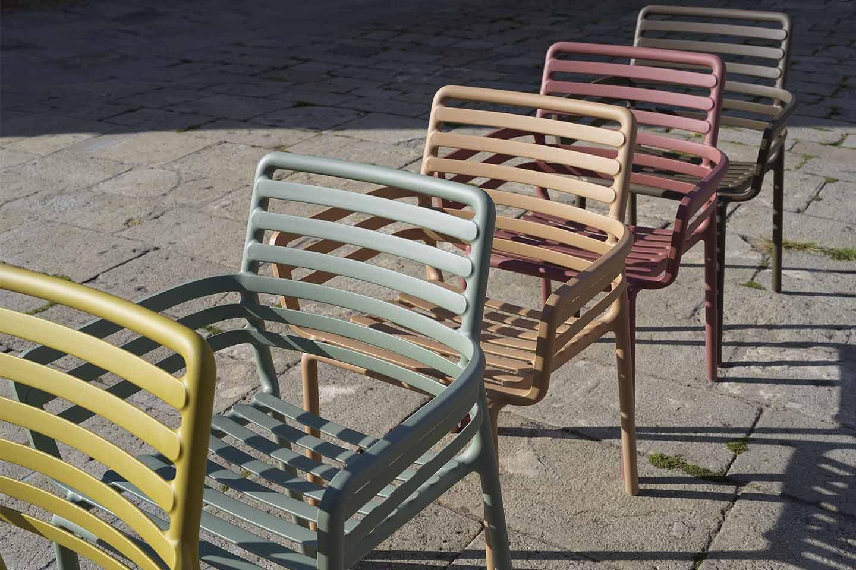 sedie da giardino colorate