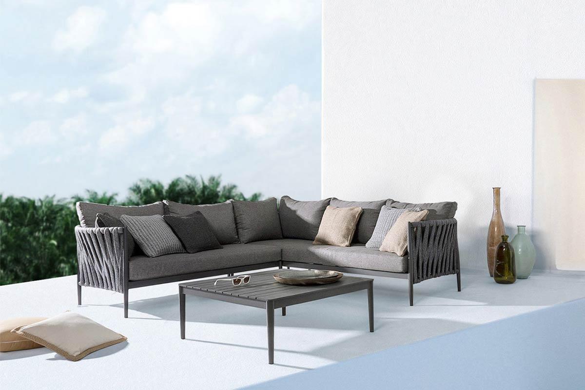 salotto da esterno con divano angolare