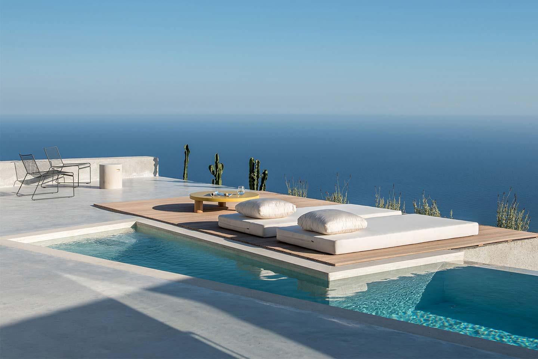 Kapsimalis Architects Villa sul Monte Ilias a Santorini
