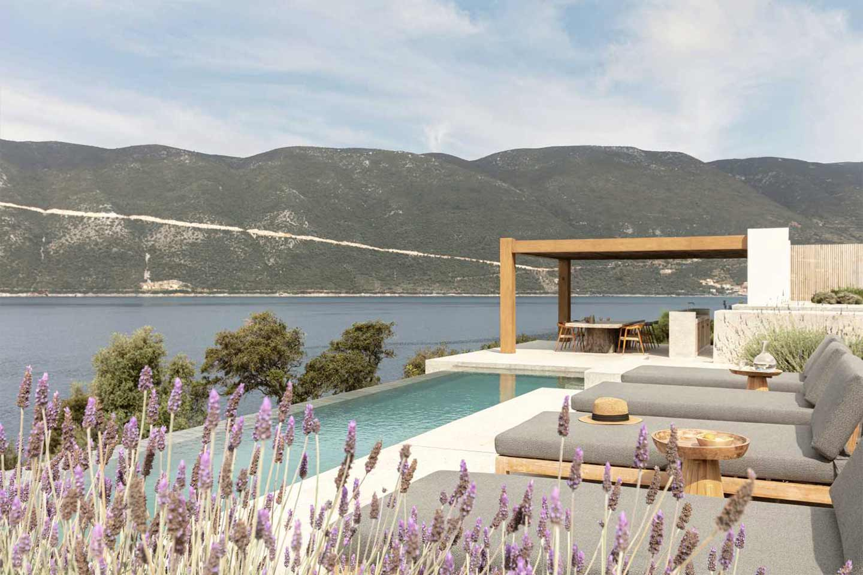 terrazza con piscina Villa Apollon a Lefkada