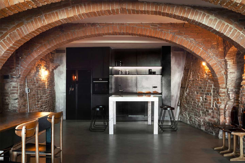 archi con mattoni a vista in cucina